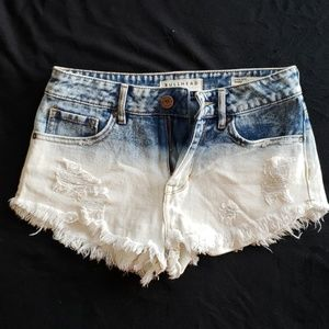Bullhead distressed high waisted shorts